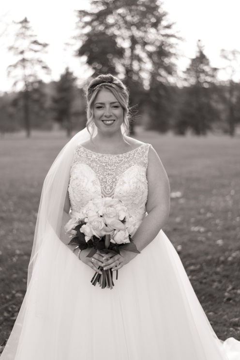Blog-Jenn-&-Kevin-Stratford-Country-Club-Wedding-0017-BW
