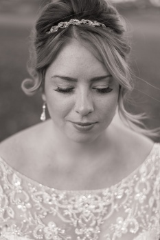 Blog-Jenn-&-Kevin-Stratford-Country-Club-Wedding-0023-BW