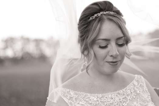 Blog-Jenn-&-Kevin-Stratford-Country-Club-Wedding-0025-BW