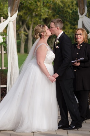 Blog-Jenn-&-Kevin-Stratford-Country-Club-Wedding-0050