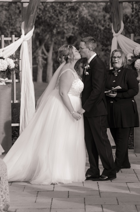 Blog-Jenn-&-Kevin-Stratford-Country-Club-Wedding-0051-BW