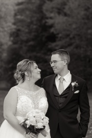 Blog-Jenn-&-Kevin-Stratford-Country-Club-Wedding-0057-BW