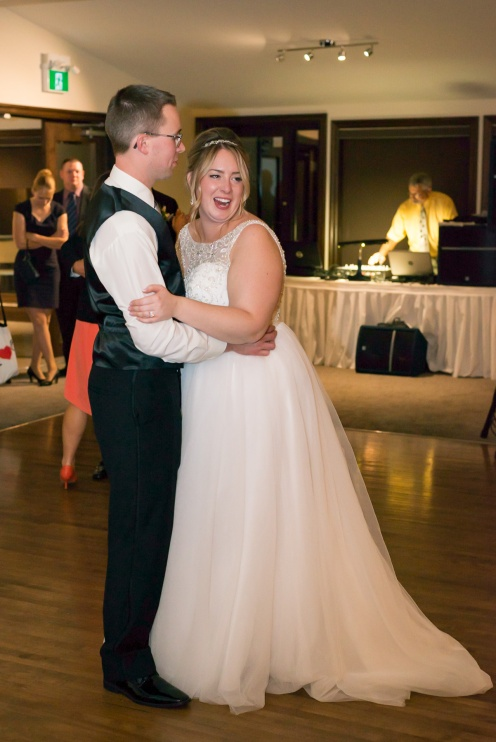 Blog-Jenn-&-Kevin-Stratford-Country-Club-Wedding-0075